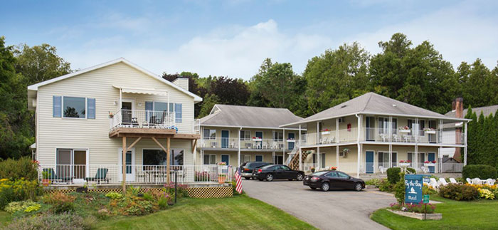 Hotel rooms and rates in fish creek wi for Motels in fish creek wi